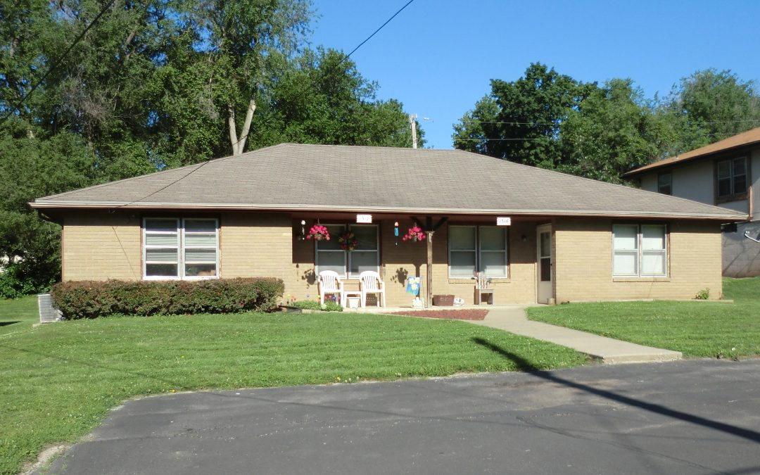1318 South 38th Place