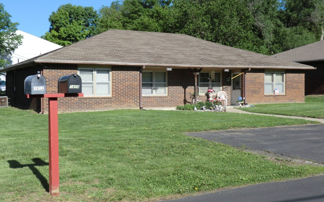 1406 South 38th Place