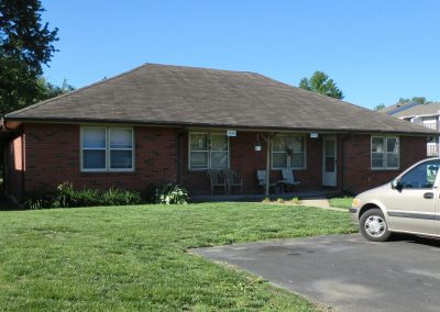1422 South 38th Place